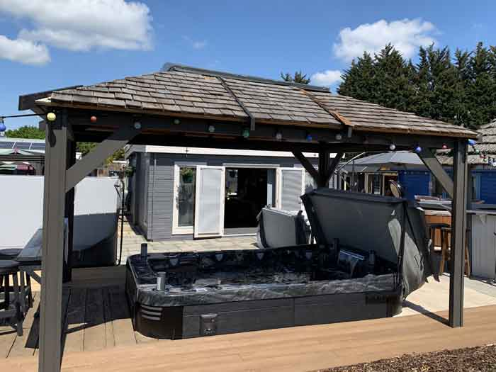 Hot Tub Dealer in Lincolnshire